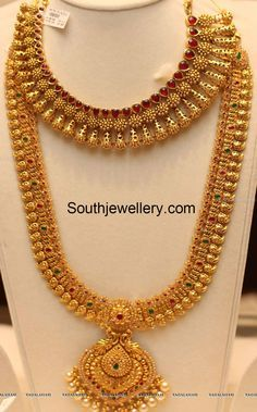 Gold Jewelry Design In India Indian Wedding Jewelry, Indian Jewelry, Indian Bridal, Indian Jewellery Design, Jewelry Design, South Indian Jewellery, Gold Jewelry Simple, Ring Set, Temple Jewellery