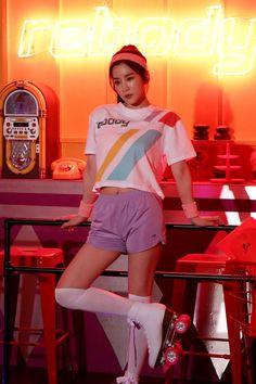 Behind the scenes with Bomi and Chorong for Rebody. Apink Album, Apink Naeun, U Kiss, Beautiful Asian Girls, Korean Girl Groups, Behind The Scenes, Rapper, Singer, Kpop