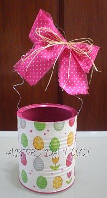 easter DIY egg basket with tin cans- so cute! Hoppy Easter, Easter Bunny, Easter Eggs, Easter Projects, Easter Crafts, Easter Party, Easter Gift, Tin Can Crafts, Diy And Crafts
