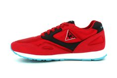 24 Kilates x Le Coq Sportif Flash: Le Coq Sportif's Flash silhouette has recently been redone by Barcelona-based streetwear shop 24 Vegan Sneakers, Retro Sneakers, Running Fashion, Running Style, Sneaker Boutique, Streetwear Shop, Flash, Shoe Show, Hypebeast