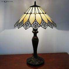 New Tiffany table lamp Québec