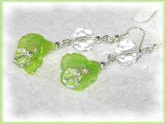 tolle Blütenohrhänger mit Kristall-Glasschliffperle. 6cm, die hängen wunderbar am Ohr.