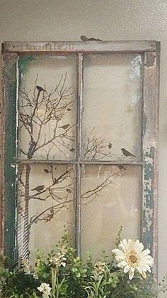 Deco fenetre projects to try old window crafts, old window p Old Window Crafts, Old Window Projects, Old Window Ideas, Diy Projects, Old Window Art, Window Frame Decor, Vintage Windows, Antique Windows, Vintage Window Decor