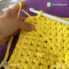 Bom dia!! Dica de como fazer a virada para começa a subir as laterais. #crochet #croche #handmade #cesto #fiodemalha #feitocomamor #feitoamao #trapilho #totora #knit #knitting #cestodecroche #decor #quartodebebe #baby #quartodemenino #decor #decoracao #artesanato #lateraldocestodecroche #bomdia #goodmorning