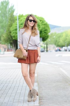 Beatriz from Necklace of Pearls  with her look for IT ARIZONA Taupe by IT SHOES  #womenshoes #summer #flatshoes #footwear #wedge #fashion #casualwedges #flats #highheels #anklestraps #platforms #chic #elegant #feminineshoes #fineleather #linedinsoles #outfit #seasonlook #musthave #trend #fashionshoes #boots #instagood #itshoes #bohofashion #bohochicshoes #streetfashion #shoelover #shoes #shoesoftheday #fashion #leather #leathershoes #style #fashionstyle #instafashion #stylish…