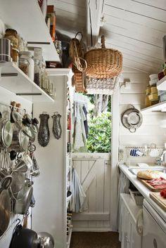 Summer Getaways: Cozy Cabin Kitchens Kitchen Inspiration | The Kitchn