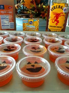 Fireball Jack-o'-Lanterns [Jello Shots] Check out these adorable jello shots I made for a football tailgate. They were a HUGE hit and perfect for the beautiful fall weather. Make your own with the few ingredients shown in the image abo. Halloween Cocktails, Halloween Snacks, Halloween Jello Shots, Fall Halloween, Halloween Games, Halloween Stuff, Halloween Costumes, Fireball Jello Shots, Jello Pudding Shots