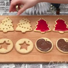 Cupcake Christmas, Christmas Tree Cookies, Christmas Snacks, Xmas Food, Christmas Baking, Christmas Cookies, Cakes That Look Like Food, Twisted Recipes, New Year's Food