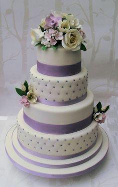 Hochzeitstorten flieder Wedding cakes, you must look up the delightfully gorgeous pin tip number 4961471387 now. Indian Wedding Cakes, Amazing Wedding Cakes, Elegant Wedding Cakes, Wedding Cake Designs, Indian Weddings, Elegant Cakes, Wedding Cake Fresh Flowers, Purple Wedding Cakes, Purple Cakes