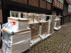 Die Möbel für unser neues Büro in #Hamburg sind da!