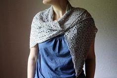 lida sur ravelry et chez quince, tricoté en silkcashmere coloris nuages de chez magliamania, 2 écheveaux (env 400m) aiguilles 4mm
