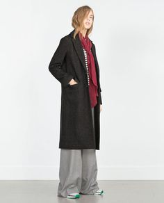Discover the new ZARA collection online. What Should I Wear Today, What To Wear, Zara Looks, Zara New, Straight Cut, Outerwear Women, Dress Codes, Mantel, Autumn Fashion