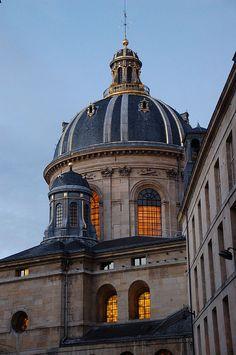 Paris 6e - Dôme de l'Académie Française, 23 quai de Conti. Photo de Monceau.