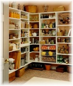 Pantry/walk in larder...... I can only dream.