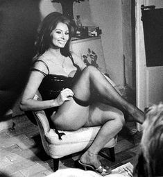 Sophia Loren and her generous thighs