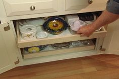 Easy Pull Out Drawers!