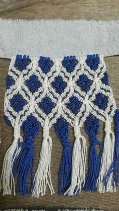 Macrame Toran, Macrame Bag, Boho Cushions, Textile Fiber Art, Macrame Patterns, Knitting Stitches, Diy Jewelry, Weaving, Diy Crafts