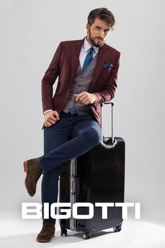A #well - #chosen #wardrobe with #pieces that #fit #together to , demonstrates its #functionality not only #daily , but also on #trips .  #Choose #smart and you will have a #light,  but #effective #luggage!  The #products are #available in #Bigotti #men #clothing #stores and on www.bigotti.ro and the #Flyjack #trolley #suitcase in #Bestvalue #stores in #HenriCoanda #Airport .