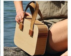 Wooden bags and fashion accessories for the by TIWoodWorks on Etsy Leather Craft, Leather Bag, Wood Projects, Woodworking Projects, Fashion Bags, Fashion Accessories, Diy Pochette, Wooden Bag, Brown Bags