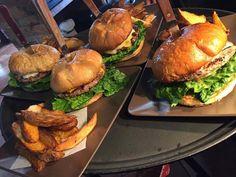 Un lugar para comer que es imposible no hacer una visita en San Antonio de Las Minas es Allegro Burgers & Grill con estas hamburguesas que son todo un reto, pero con un sabor delicioso fuera de este mundo! Te invitamos a que las pruebes en tu siguiente visita a #Ensenada!