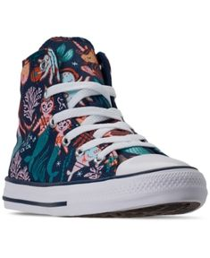 Your little mermaid will love the fun print and the easy going style of the Converse Toddler Girls Chuck Taylor All Star Underwater Party High Top Casual Sneakers. Running Sneakers, Casual Sneakers, Casual Shoes, High Top Sneakers, Converse Style, New Converse, Converse Chuck Taylor, Underwater Party, Comfortable Heels