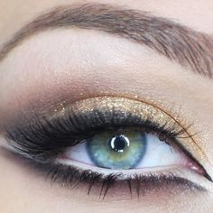 I was looking for that shade of green for ages! I found it in the new Darks pallette by Sleek. Love it!