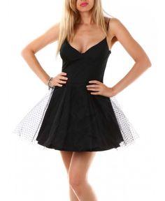 Страхотна дамска рокля, подходяща както за парти, така и за официални събития | http://shopzone.bg/womens/рокли/80414/Different-Ladies-дамска-рокля-в-черно