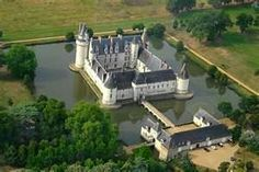 Le Château du Plessis-Bourré, Loire Valley, France One of my favorite Chateaux in the Loire Valley