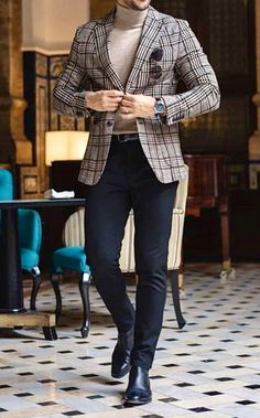 Men's fashion done your way by Giorgenti New York. Come into our private showroom and see how we can create your very own custom plaid blazer. Mens Athletic Fashion, Trendy Mens Fashion, Mens Fashion Suits, Stylish Men, Blazer And T Shirt, Blazer Outfits Men, Plaid Blazer, Dress Shirt, Mens Tweed Suit