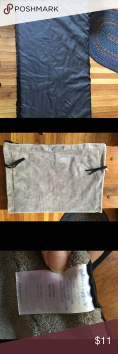 """Baby stroller blanket Keep your little one cozy as you stroll with this Babies 'R"""" Us Stroller Blanket, available exclusively from Babies 'R' Us. This soft, versatile stroller blanket is designed with soft fleece on one side and water repellant fabric on the other. Blanket is machine washable for easy clean-up.Product Dimensions (in inches): 12.60 x 2.36 x 9.45. Excellent condition, no holes stains etc.. babies r us Other"""