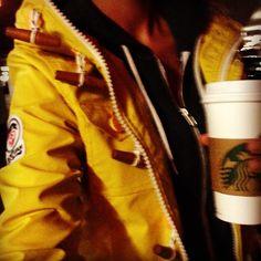 #feierabend , wie das duftet, nach #soy #hazelnut #latte HEEHEHEHEHEHEHEHE  #girl #superdry #starbucks #happy #work @Starbucks Loves #Padgram
