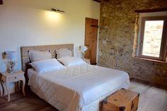 Borghetto B&B master bedroom!! 🔝 for more info check our website www.borghettomontalcino.com #borghetto  #montalcino #castelnuovodellabate 🇮🇹