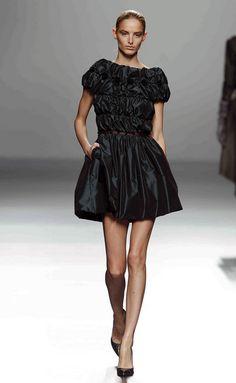 Victorio & Lucchino - Victorio & Lucchino - Madrid - Mujer - Otoño Invierno 2013- 2014 - Pasarelas, desfiles de moda, diseñadores, videos, calendarios, fotos y backstage - Elle - ELLE.ES