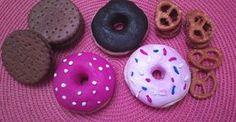 Spielküchen sind beliebte Spielmöglichkeiten für kleine Küchenfeen. Lest hier, wie man Donuts aus Salzteig ganze einfach selber macht!