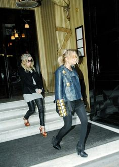 Mary-Kate & Ashley in Paris