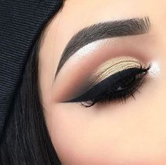 "58.4k Likes, 114 Comments - Morphe Brushes (@morphebrushes) on Instagram: "" Emphasize those eyes @lupita_lemus created a flawless effect with the 35F palette. Visit our…"""