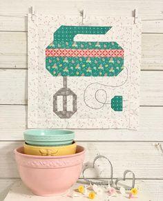 Farm Girl Vintage 2 Quilt Along – Week Ten! Vintage Quilts Patterns, Quilt Block Patterns, Quilt Blocks, Applique Patterns, Applique Designs, Cute Quilts, Scrappy Quilts, Mini Quilts, Farm Animal Quilt