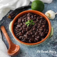 Rich, flavorful, and delicious these Chili Lime Black Beans are a perfect low fat THM E dish. Make them soaked or unsoaked in your Instant Pot in no time. Thm Recipes, Cooker Recipes, Soup Recipes, Budget Recipes, How To Make Chili, Pressure Cooking Recipes, Black Bean Recipes, Instant Recipes
