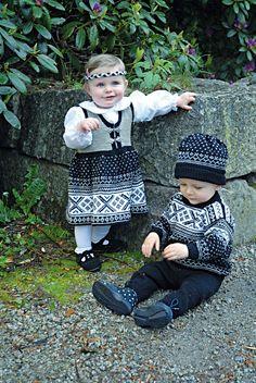 Genser, jakke, kjole, bukse, sokker & lue - Viking of Norway (in Norwegian)