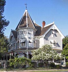 Thomas R. Meux Home (1889) Fresno, California