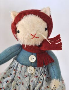 I am in LOVE with Jennifer Murphy's creations.  My goal is to be able to have just one..... :)  This is Margie the cat
