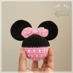 Best 11 Set of 2 crochet mickey and minnie mouse by MorganBrynDesigns – SkillOfKing. Quick Crochet, Cute Crochet, Crochet Crafts, Crochet Dolls, Crochet Yarn, Crochet Projects, Disney Crochet Patterns, Crochet Disney, Amigurumi Patterns