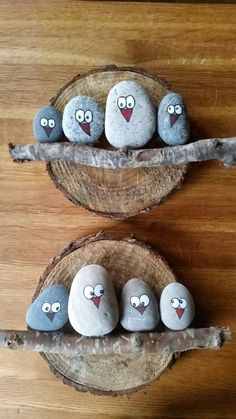 DIY Painting the River Rocks Like a Bird - Unique Balcony & Garden Decoration an. DIY Painting the River Rocks Like a Bird – Unique Balcony & Garden Decoration and Easy DIY Ideas Garden Painting, Pebble Painting, Pebble Art, Stone Painting, Diy Painting, Pebble Stone, Wood Stone, Kids Crafts, Diy And Crafts