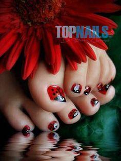 """Uñas Acrílicas decoradas en pies  """"Chinitas"""" www.topnails.cl Fono: 94243426"""
