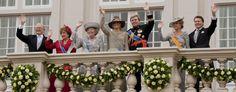 Artikelen over leden van het Nederlandse koningshuis en het Huis Oranje-Nassau, van prinses Beatrix tot koning Willem I en natuurlijk Willem van Oranje.