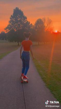 Aesthetic Songs, Aesthetic Indie, Space Phone Wallpaper, Best Longboard, Skate Girl, Skater Boys, Skateboard Girl, Longboarding, Sunset Photography