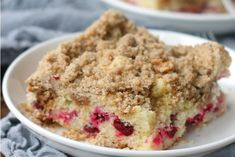 This basic streusel topping can be used to top numerous baked goods, from pies, to cakes, to muffins, and sweet breads. A streusel topping creates a sweet and crumbly texture that elevates simple recipes. Healthy Apple Desserts, Easy No Bake Desserts, Dessert Recipes, Fall Desserts, Cake Recipes, Strudel Topping, Crumble Topping, Best Buttercream Frosting, Chocolate Buttercream