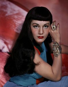 Dominican born actress Maria Montez looking intensely bewitching in a vivid colour photo from 1949. #Maria_Montez #actress #movies #Hollywood #woman #1940s #forties #vintage