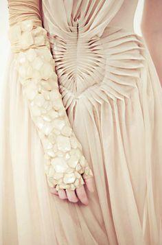 fabric manipulation and amazing jewelled sleeve - texture pattern, fashion details // Yiqing Yin Origami Fashion, 3d Fashion, Fashion Fabric, Fashion Details, Fashion Design, Textile Texture, Fabric Textures, Textile Manipulation, Yiqing Yin
