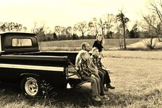 #truck #family #familyphotography #siblings #photography #barlowgirls #barlowgirlsphotography